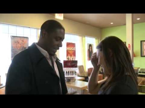♥Ohio man stars in a commercial to propose to his girlfriend (VERY SWEET)☆