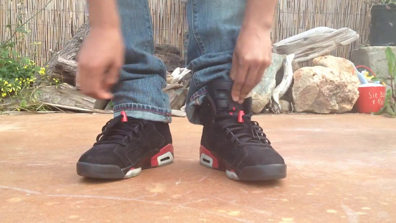 size 40 55e50 5a2a3 Jordan 6 black varsity red on feet