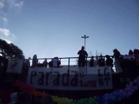 Bispo da Igreja Inclusiva do Brasil na Parada de Luta LGBT