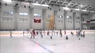 Дед Мороз и Снегурочка зажигают на льду