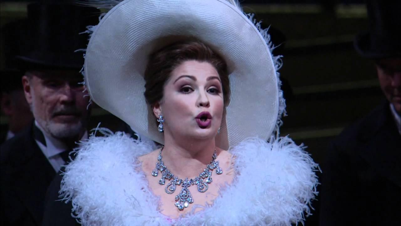 "Manon: ""Gavotte"" excerpt -- Anna Netrebko (Met Opera)"