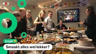 Kerstdiners op school: worstenbroodjes, salades en frikandellen