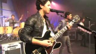 Jonas Brothers - L.A. Baby (2010 Walmart Soundcheck)