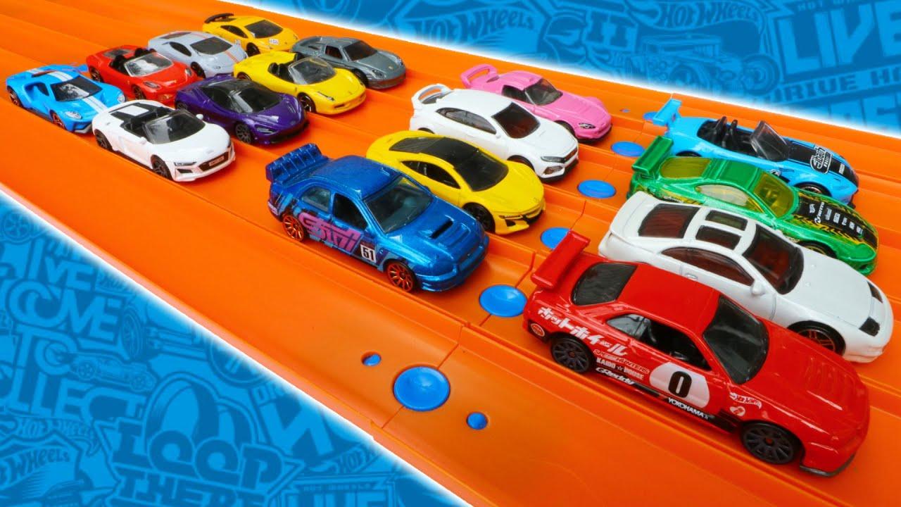 Supercars vs Japan Imports Hot Wheels Race Tournament
