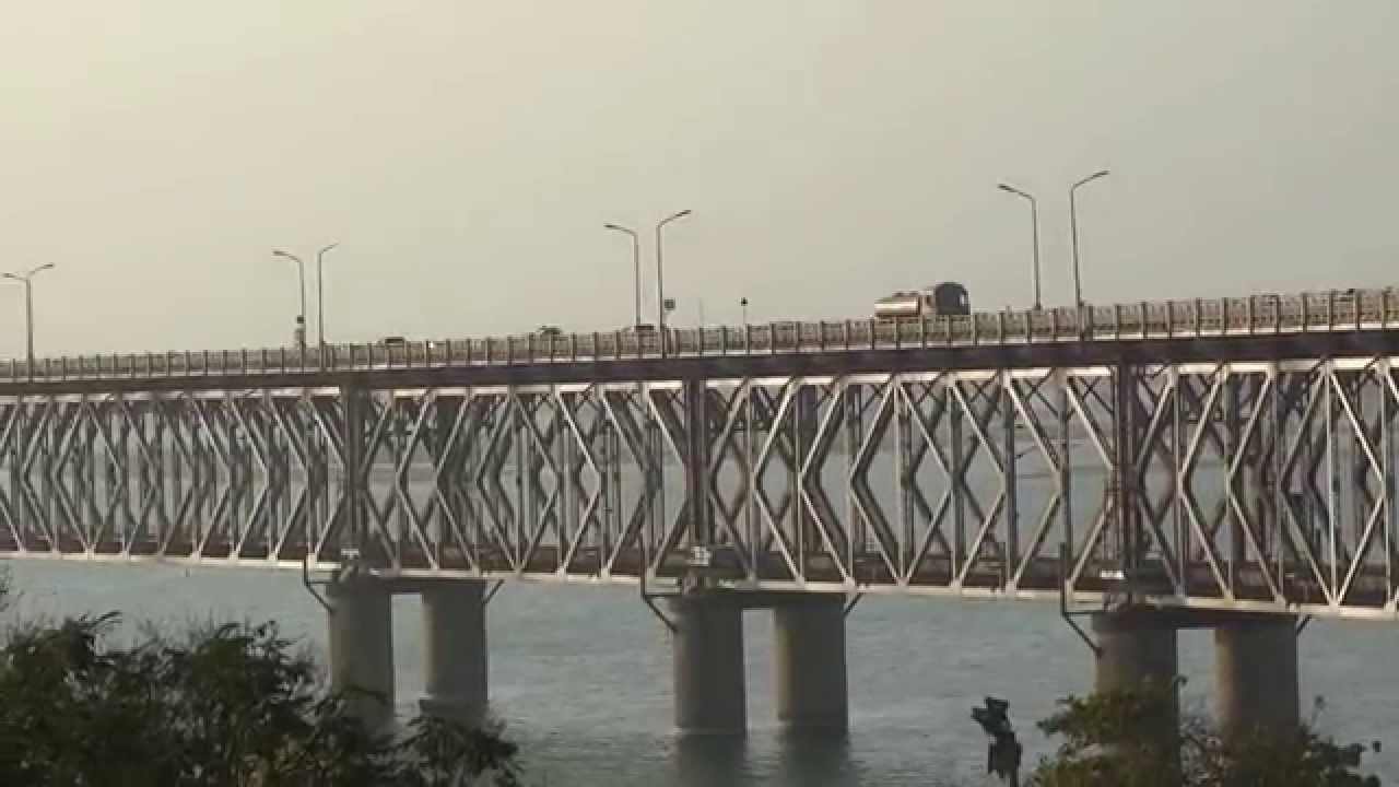 rajahmundry road cum rail bridge godavari bridge kovvur