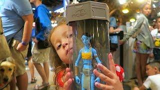 Avatar Maker at Disney Pandora World of Avatar -Toddler Becomes a Navi Action Figure!