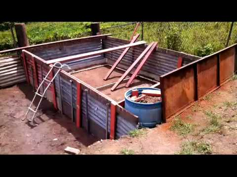 Piscina hecha con madera y zinc reciclaje youtube - Costo piscina chiavi in mano ...