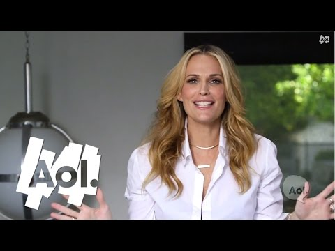 Style Like a Supermodel | The Everyday Supermomma | Molly Sims