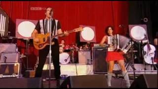 Arcade Fire - No Cars Go [Reading Festival 2007] Part 2 Of 8