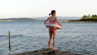 局長ぉ~もうすぐ春ですよ~ 私は、一足お先に海水浴♪GOOD LUCK まだ早...