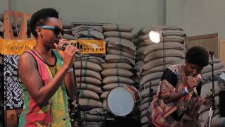 THEESatisfaction - Pause & Do You Have The Time (Live on KEXP)