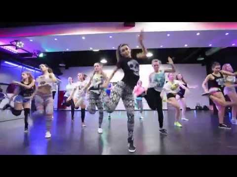 NICKY JAM ft. FARRUKO - VOY A BEBER (REMIX PART 2) | REGGAETON | CHOREOGRAPHY BY LESSSI