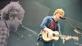 Video Ed Sheeran - Sing at Glastonbury 2014 download MP3, 3GP, MP4, WEBM, AVI, FLV Januari 2018