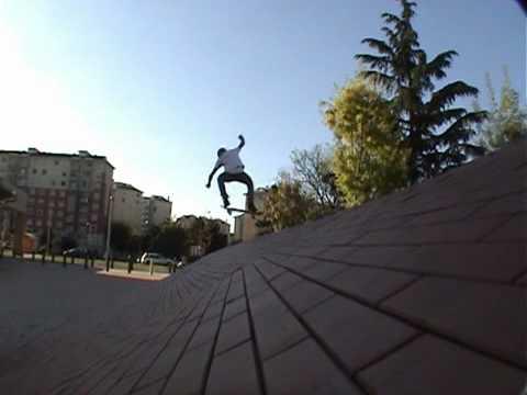 old s andrea scarabelli skateboarding milano