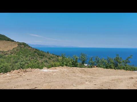 Продаются  интересные земельные участки в посёлке Чайка на Южном берегу Крыма. ИЖС.