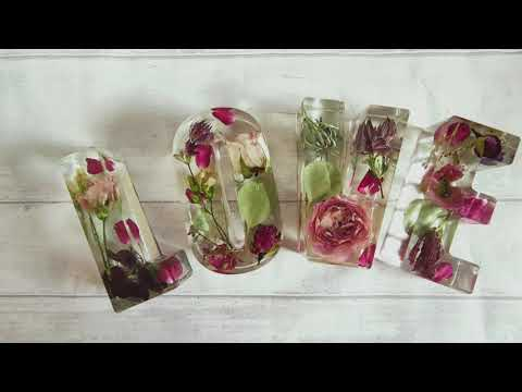 Flowers in resin / flower preservation