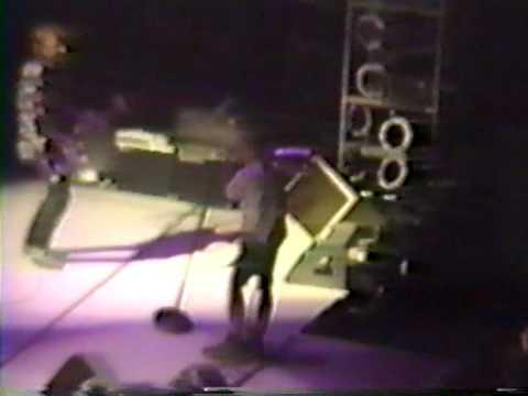 REM - 1,000,000 @ Meadowlands Arena - East Rutherford, NJ.  U S - 19 Sept 1989