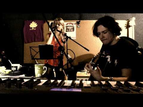 Королевство кривых зеркал - WolltZ - радио версия