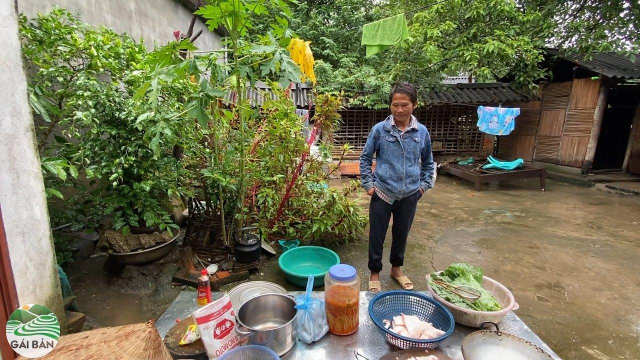 Ngày mưa bão tiếp đón A Tông món gà xào măng ớt huyền thoại tại nhà