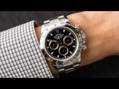Rolex Cosmograph Daytona 116520 Black dial 40 mm stainless steel swiss made  luxury watch on wrist