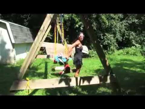 Backyard mommy workout KATALIN.mov