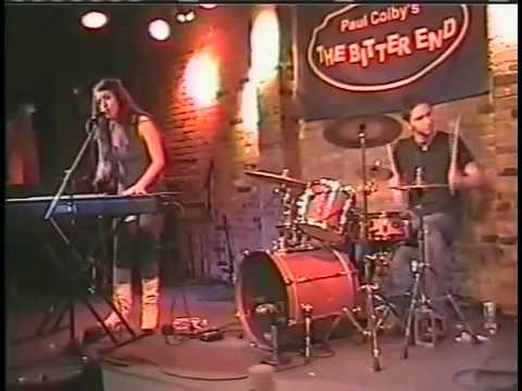 Stefani Germanotta D'yer Maker Led Zeppelin Cover live @ The Bitter End