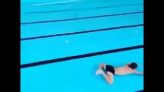 плавание в бассейне без воды