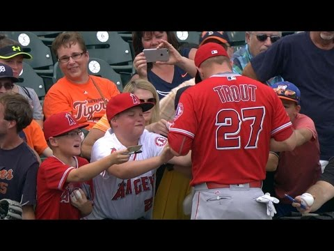 Young  tears up after Trout's autograph