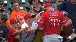 Young fan tears up after Trout