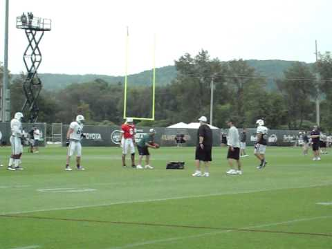 Mark Brunell Throws Passes At Jets Training Camp