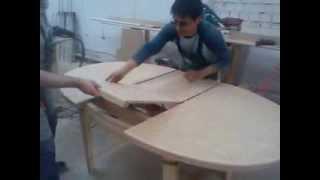 видео Стол кухонный на одной ножке: круглый, овальный и раздвижной