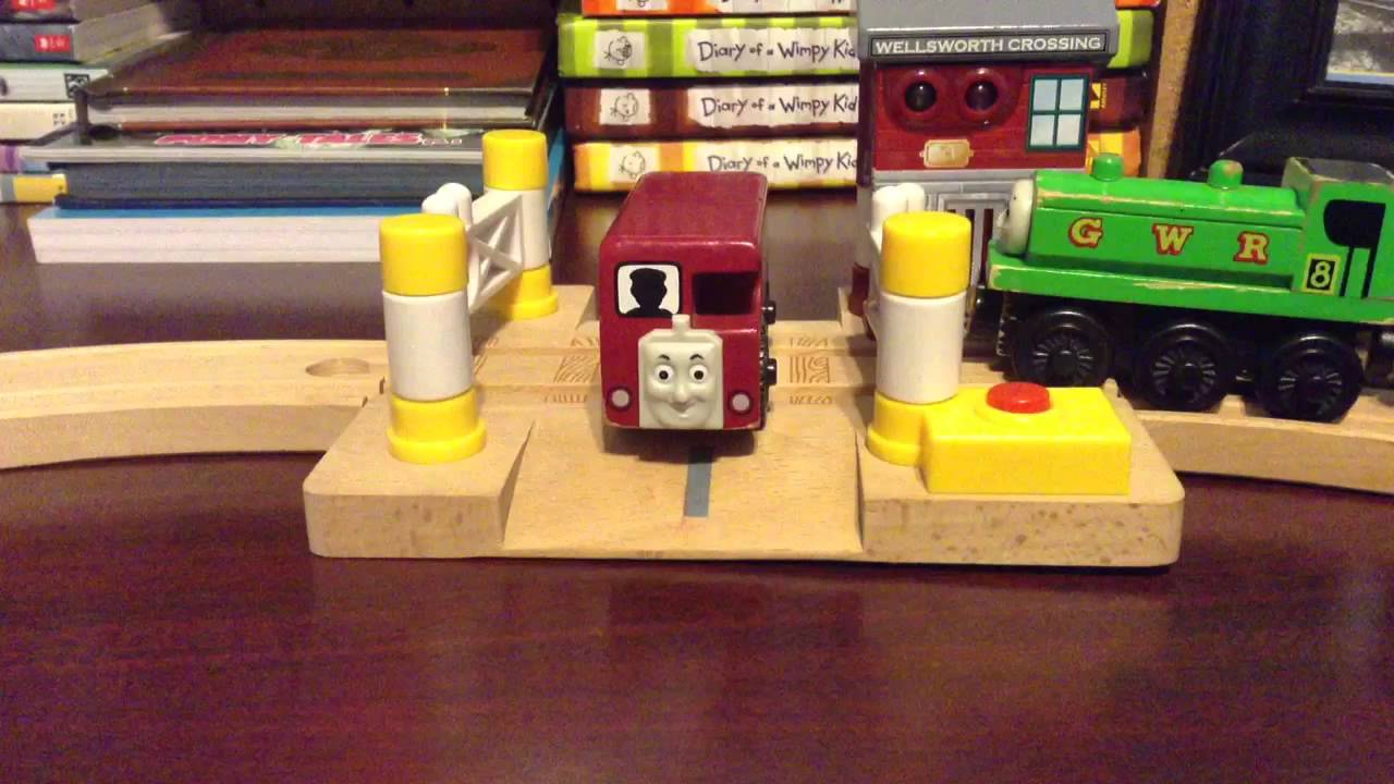 TWR deluxe railroad crossing