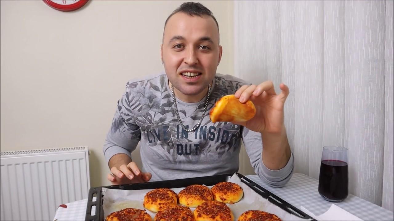 Download Pamuk Gibi Biberli Ekmek Tarifi