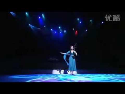 查尔达斯 『女子十二楽坊』 Czardas (Erhu solo) by 12 Girls Band