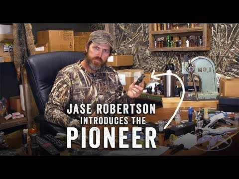 Jase Robertson duces the Pioneer