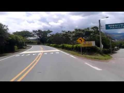 Entre San Gil y el Chicamocha en bicicleta. Entrada a Curití.