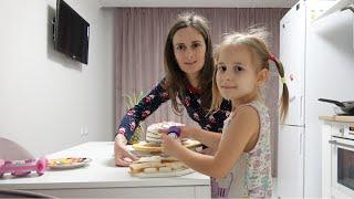ВЛОГ Как мы отметили праздник Шоппинг в ТК Мега Адыгея Ищем платье для Юли Закуски за 5 минут