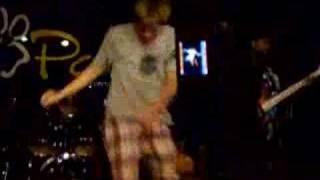 white boy dancing to gogo