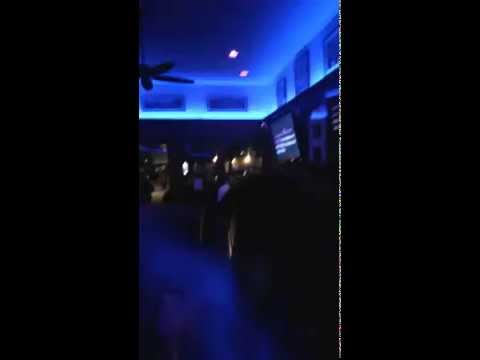 Miley Cyrus-PARTY IN THE USA KARAOKE(The Patio, Palo Alto, CA) 9-9-2014