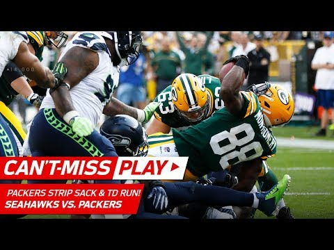 Packers Force Fumble on Wilson & Montgomery Gets the TD!   Can