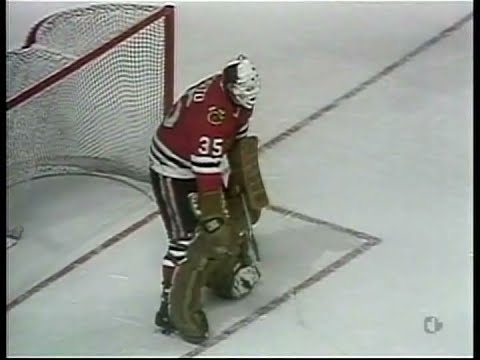 Tony Esposito vs Greg Terrion (Penalty-Shot) - Oct.15,1983