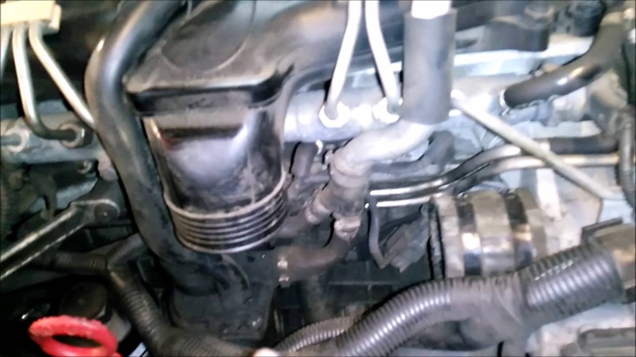 Cleaning the EGR on a euro4 Volvo D5 - YouTube