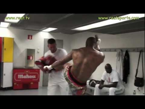 Tyrone Spong Warming Up Fight Madrid 2011 from YouTube · Duration:  1 minutes 16 seconds