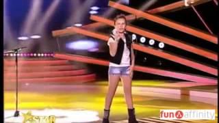 ¡Una niña sorprende a todo el mundo cantando!
