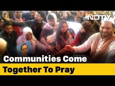 Multi-Faith Prayer In Delhi As Shaheen Bagh's CAA Protest Nears Week 5