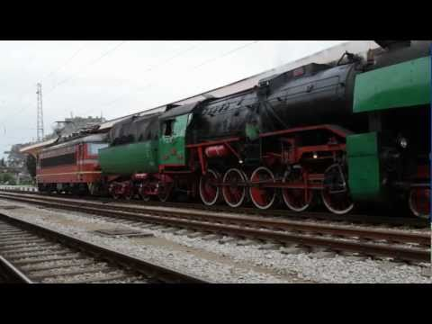 Bulgarian State Railways Class 16.01 locomotive departing Ruse Station; May 04, 2011