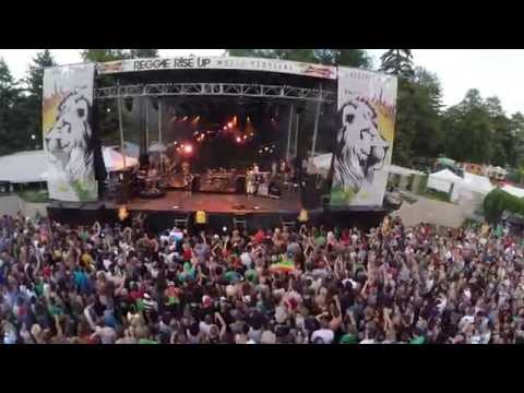 "Reggae Rise Up 2014 With Matisyahu - ""One Day"""