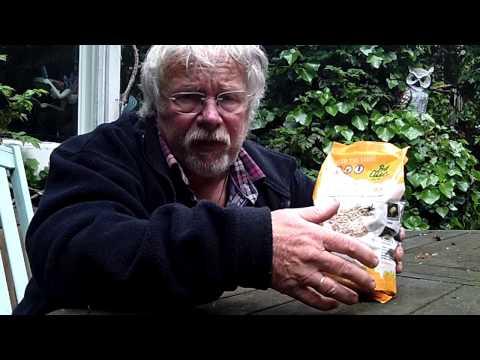 Spring and Summer bird food from Bill Oddie - Britain
