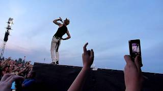 Shout (I Want You To Know) WHOLE BAND - Green Day Mainz 1 July 2010 [HD]