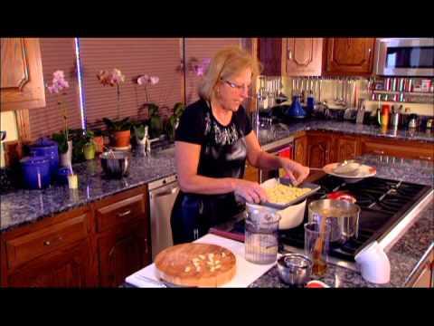 How to Make Cavatelli Pasta with Homemade Tomato Sauce: EASY!